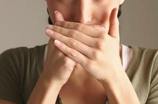 اسباب رائحة الفم الكريهة