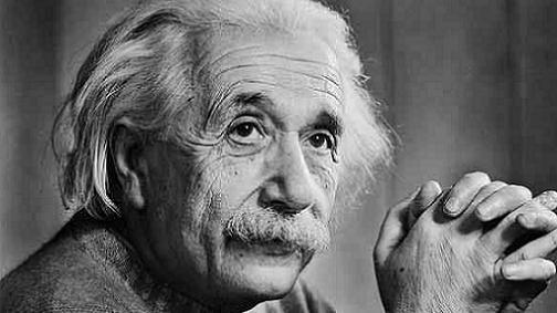 آنشتاين من أشهر علماء الفيزياء