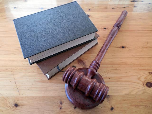 الفرق بين القانون العام والقانون الخاص