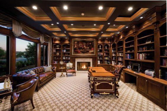 مساحة واسعة مكاتب خشب كلاسيكية