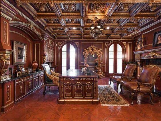 مكتب خشبي مساحة واسعة
